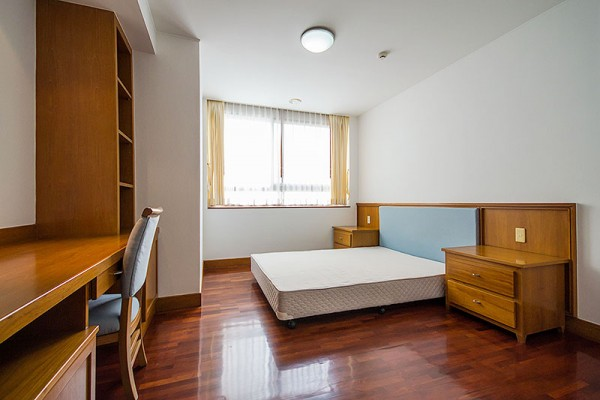 rooms-0049959062B-B26B-DA05-87A6-F9DC85E9FBD8.jpg