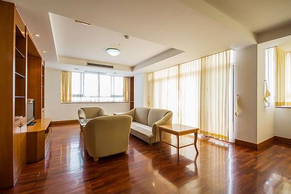 rooms-014B827E2C5-99EE-A155-92B9-80A85CE96E07.jpg